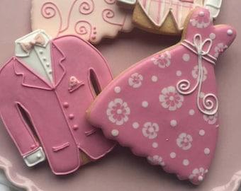 Bride and Groom Biscuits / Dress / Suit / Wedding Favours / Wedding Biscuits / Bespoke Cookies / Biscuit Gifts