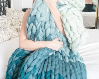 SHIPS IMMEDIATELY - Ombre Giganto-Blanket - Sample Sale (throw size)