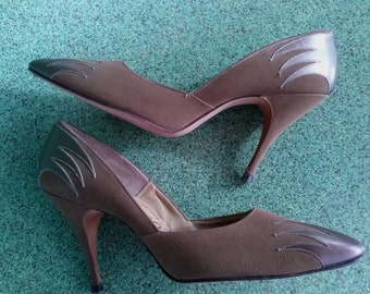 Vintage 1950s Stilettos 50s Pointy Toed Shoes Brown with Flames US 6 N
