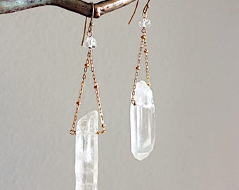 Quartz Dangling Chains Earrings