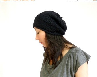 15% OFF SALE: Made in France Merino Beret Slouch Hat. Ink Black. Urban Paris Style. Spring / Fall / Winter Fashion. Hand Knit in France.