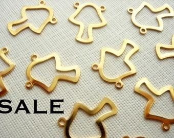Vintage Gold plated Mushroom Double Bailed Charms (16x) (V128) SALE - 25% off