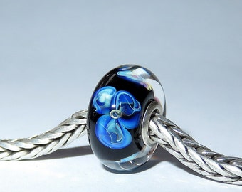 Luccicare Lampwork Bead - Flowers -  Lined with Sterling Silver