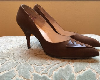 1950s heels vintage shoes pin up shoes brown heels suede herls size 7 1/2 mad men shoes Qualicraft herls