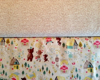 Goldilocks - By Jill Howarth - For Riley Blake - Fat Quarter Set - 2 Prints - 5.50 Dollars