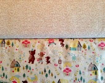 Goldilocks - By Jill Howarth - For Riley Blake - Fat Quarter Set - 2 Prints - 5.50 Dollars