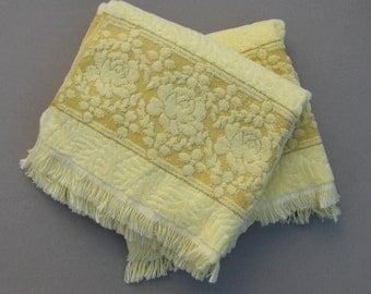 Two Plush Cannon Bath Towels Yellow Roses 1970s Vintage 100% Cotton Made in USA Royal Family