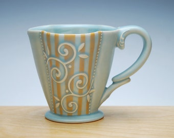 Super Stripe Deluxe clover cup in Frost w. Tangerine Pinstripes & Polka dots, Victorian mod