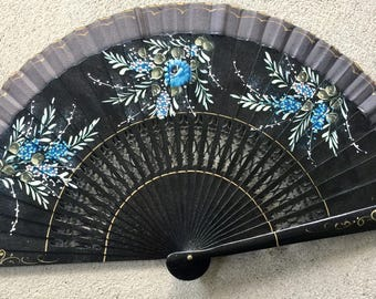 Vintage Spanish fan from Seville in its original box