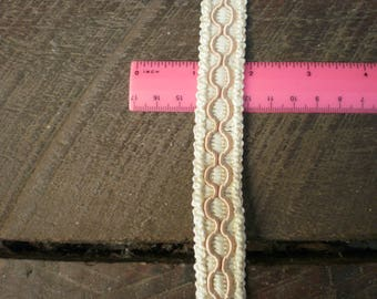 upholstery braid cream with buff corded detail 1 metre