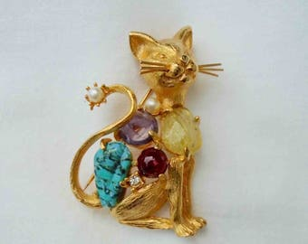 Vintage Early Sixties Bejeweled Gold Tone Kitty Kat Pin or Brooch by Jeanne / Cat Jewelry / Feline Wearables