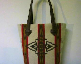 Bucket Bag Purse Tote Bag Wool Brown Leather 5 Pockets Vintage Blanket Wool from Pendleton Oregon