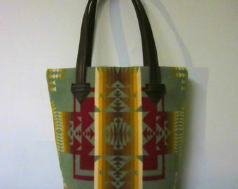 Bucket Bag Purse Tote Bag Wool Brown Leather 5 Pockets Native American Print Blanket Wool from Pendleton Oregon