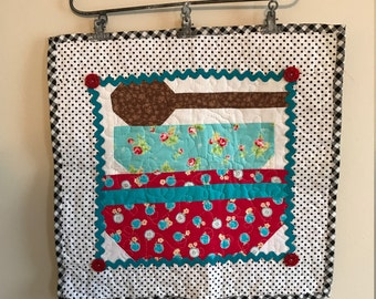Mixing it Up --! Mixing Bowl Mini Quilt  with a Big Ol' Wooden Spoon - Quilted Pyrex Bowls!