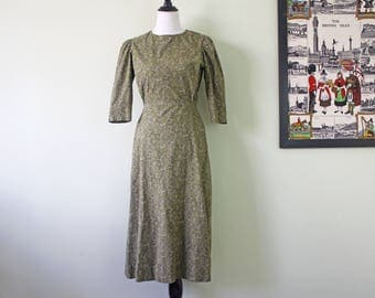1960s A Line 3/4 Sleeve Cotton Dress in Olive Floral