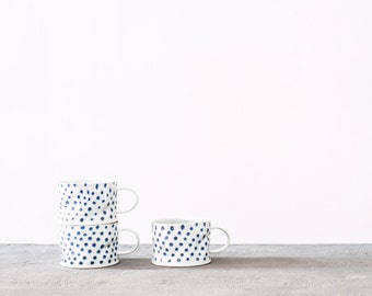 Blue polka porcelain crumple cup