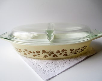 Vintage Pyrex Gold Acorn Divided Baking Dish Casserole with Lid - Retro Kitchen