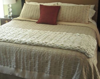 Pattern - How to Arm Knit a Bed Runner