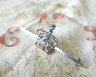 Coronation Pin Badge Crown Bar Pin Queen Elizabeth II With Rhinestones in Red White Blue Vintage Kitsch - EnglishPreserves