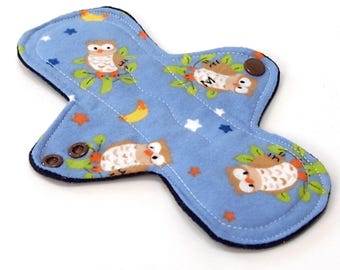 8 inch MODERATE flow Reusable Cloth Menstrual pad -bamboo/organic cotton core- Windpro - cotton flannel - Night Owl