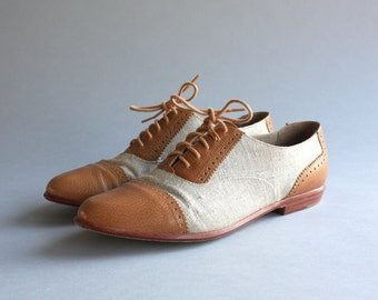 1980s Bass Oxford Flats / Vintage 80s 90s G.H. Bass Perforated Brogues / Vintage 90s Bass Lace Up Shoes