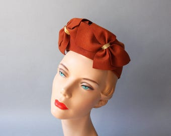 1940s Hat / Vintage 40s Bold Bows Hat / Forties Rust Brown WW2 Wool Felt Hat