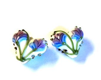 2 Lamp Work Glass Heart Beads with Flowers, 17x16mm, White with Lavender Blue Flowers, Jewelry Supplies