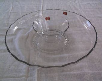 Princess Viking Glass Chip Dip Platter with Center Bowl, Vintage, Clear glass with scalloped rims, like new, original stickers