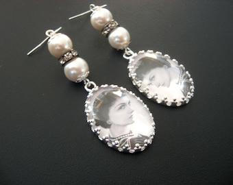 Chanel Jewelry, Chanel Earring, Fashion Jewelry, Fashion Earrings, Coco Chanel, Black White Jewelry, Black White Earrings,