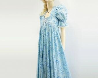 sale 1970s Maxi Dress 70s Prairie Dress 1970s Peasant Dress Blue Floral Dress 1970s Calico Dress Laced Bodice Dress Empire Waist Dress s, m