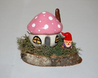 Fairy Garden or Terrarium Decoration - Toadstool Cottage with Miniature Gnome