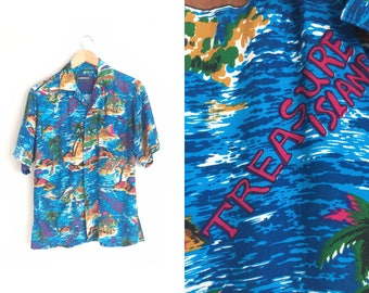Size S/M // TREASURE ISLAND HAWAIIAN Shirt // Short Sleeve - Button-Up - Summer - Palm Trees - Vacation Shirt - Vintage '80s/'90s.