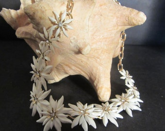Summer Starburst Choker style Necklace  Vintage 50's Fabulous Costume Jewelry