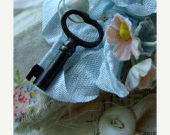 ON SALE Antique Victorian Small Cabinet Skeleton Key N029