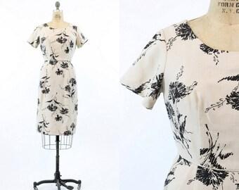 50s Dress Linen Medium / 1950s Vintage Dress Wiggle Dress / Dandelion Floral Dress