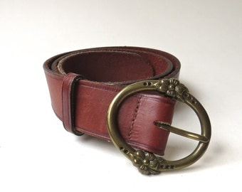 Russet Brown vintage Leather Belt with Oval Floral Brass Tone Metal Buckle