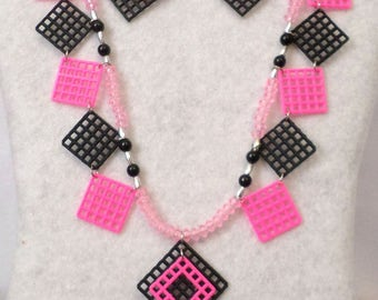 Plastic Canvas Necklace Set - Pink and Black