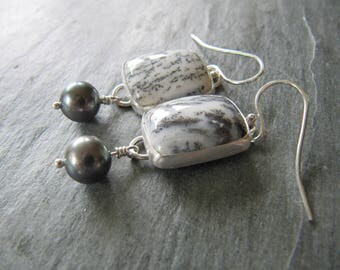 Earrings of Dendritic Agate and Dark Pearls in Sterling Silver