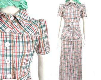 70s plaid pant suit / red ivory and green plisse top and bellbottom pants / 1970s dolly suit .. xs