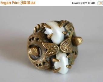 SALE Art Deco brass ring / vintage filigree ring / vintage pearl ring / brass filigree ring with pearls / 1940s pearl ring / size 7