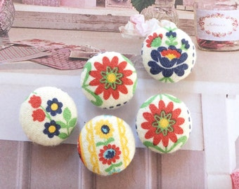 Spring Colorful Nordic Shabby Chic Folk Daisy Sunflower Floral Little Flowers-Handmade Fabric Covered Buttons(0.75 Inches, 5PCS)