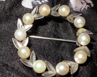 Japan Sterling Silver Akoya Oval Pearl Brooch Pin Eight 4 mm Genuine Pearls