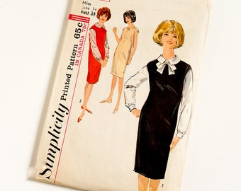 Vintage 1960s Womens Size 14 Jumper or Dress and Blouse Simplicity Sewing Pattern 5113 Complete / bust 34 waist 26