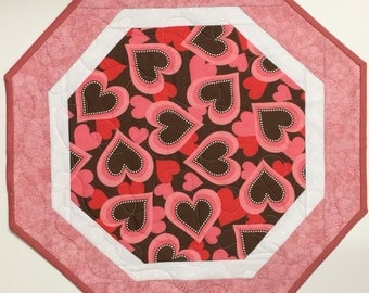 Octagon Valentine Table Topper