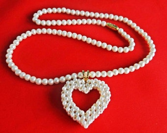 "Vintage gold tone 20"" pearl necklace with 1.5"" pearl heart pendant in great condition"