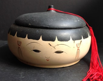 Japanese painted face trinket or jewelry box
