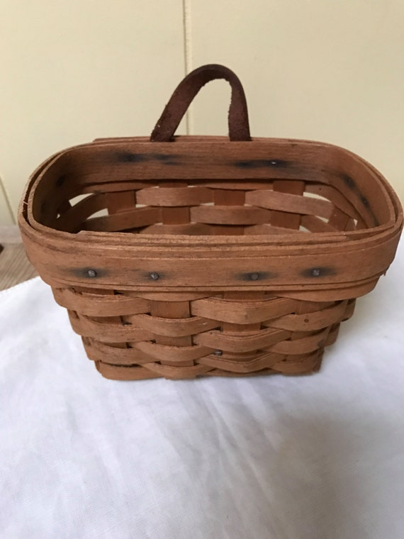 longaberger basket hanging key basket dresden ohio 1995 splint. Black Bedroom Furniture Sets. Home Design Ideas