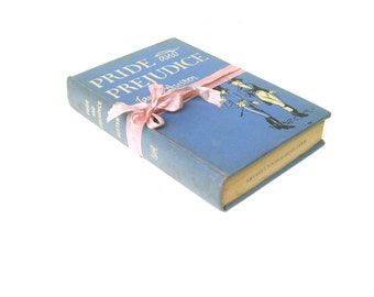 Pride and Prejudice by Jane Austen The World Publishing Company 1946 Illustrated by Edgar Cirlin, First Edition First Printing
