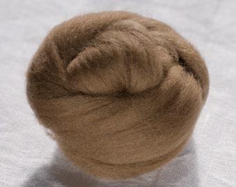 Merino Wool Top 100%, Needle Felting Wool, Wool Roving, Hand Spinning, Kangaroo Brown, Merino Wool Felt, High Quality Soft Merino Wool, mw72