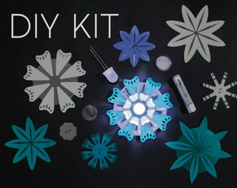 Light-Up Paper Flowers Kit - Blues - Stocking Stuffer - STEM - Light-Up - Craft Kit - Christmas Gift for Crafter - Christmas Gift for Girls